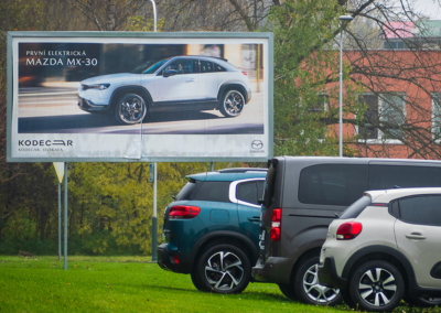 Zapuštěný billboard